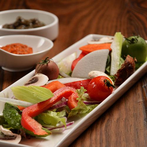 彩り野菜のディップ ~ブラックオリーブのソース